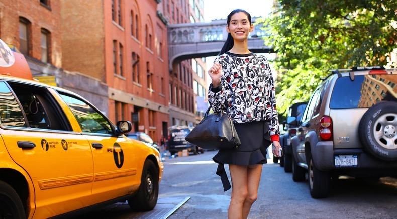 nyfw-street-2-13-favorite_145936302640-ming-xi-vintage-sweater1