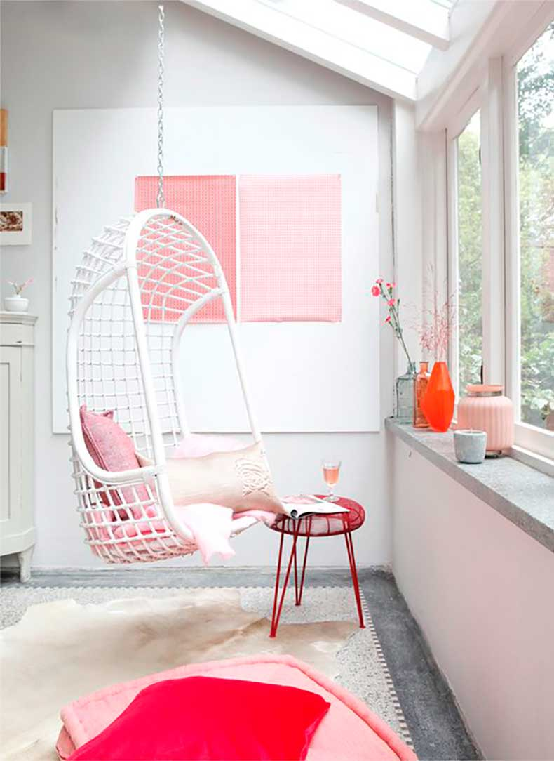 pink-deco-white-swing