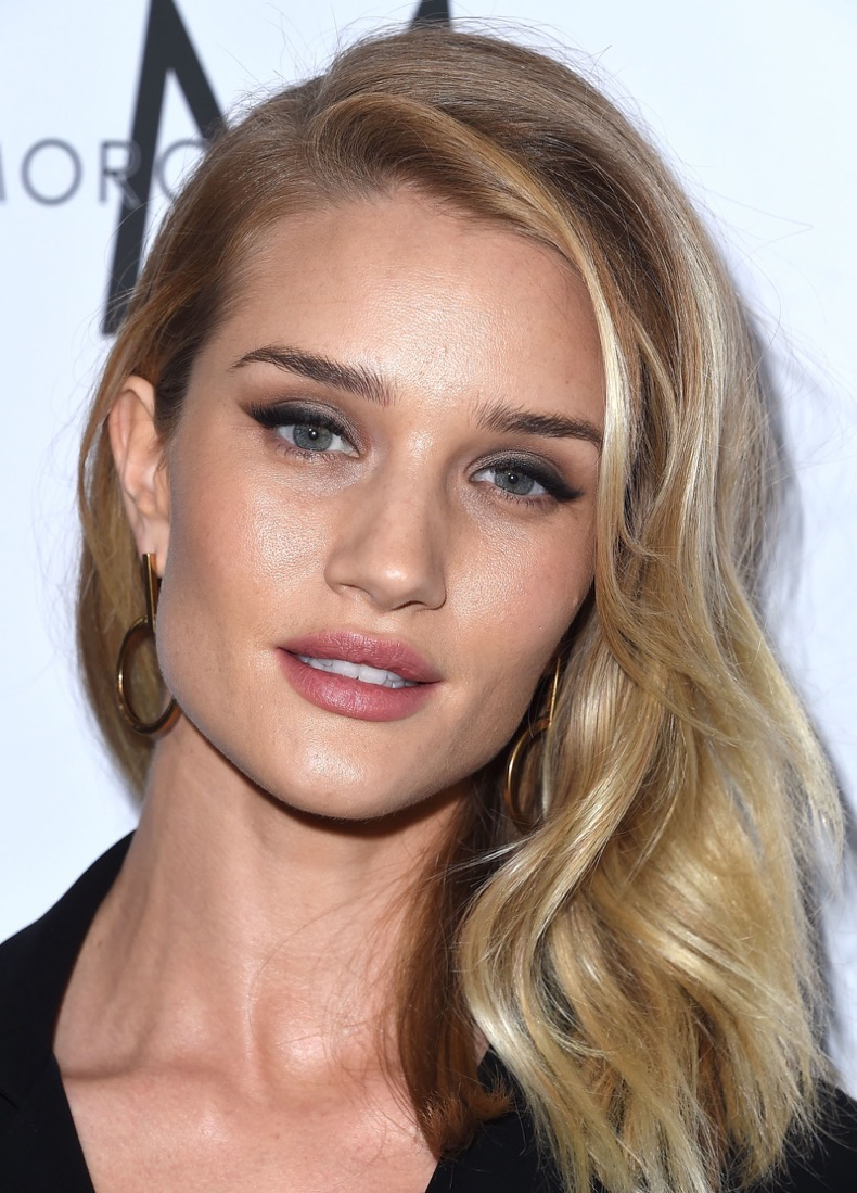 rosie-huntington-gettyimages-516880434_1