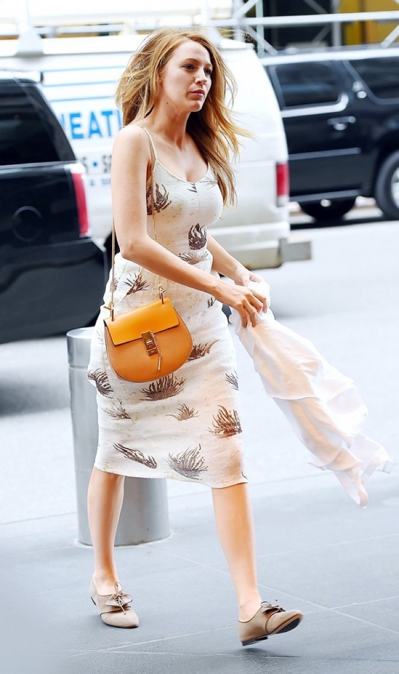 the-best-outfit-tips-weve-learned-from-10-years-of-blake-livelys-style-1800563-1465504035.640x0c