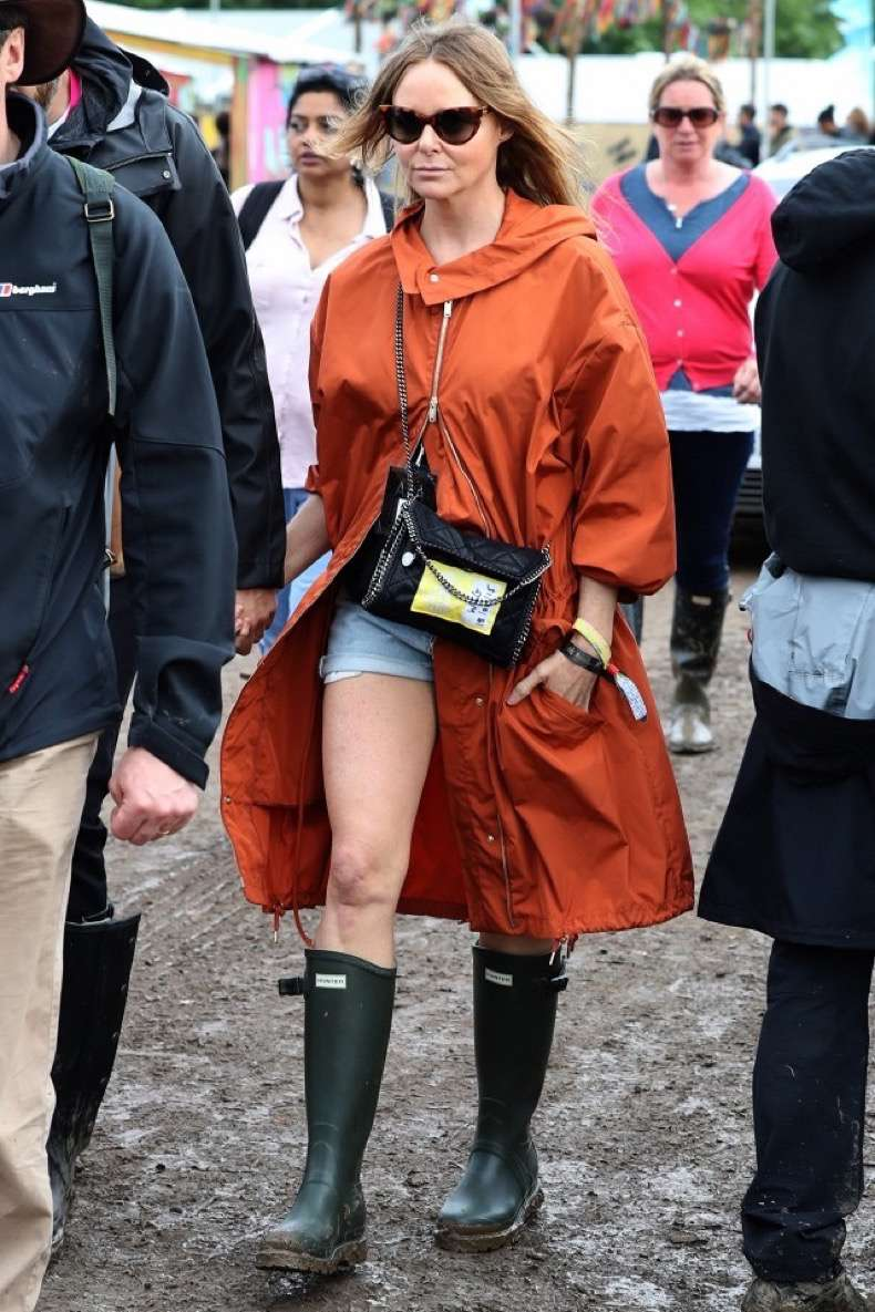 what-every-british-it-girl-wore-to-glastonbury-1818354-1467050367.640x0c