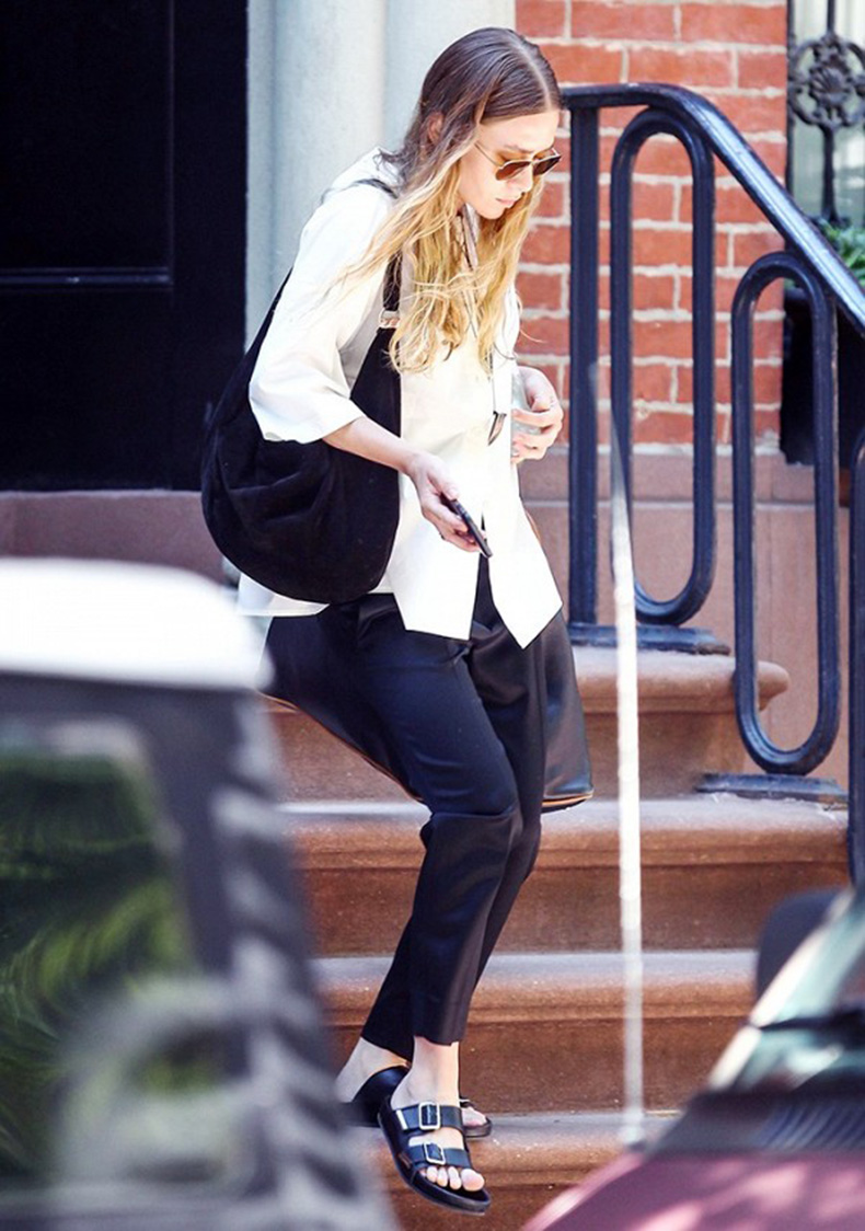 why-high-heels-are-over-according-to-ashley-olsen-1767404-1463082892.600x0c