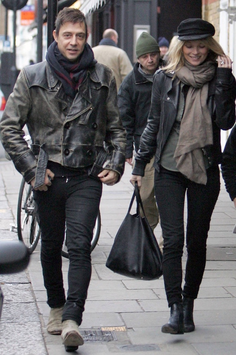 1468183840-54ac616961cbe_-_elle-kate-moss-jamie-hince-leather-couple-elv