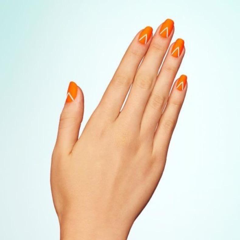 1469219028-elle-matte-nails-paintbox