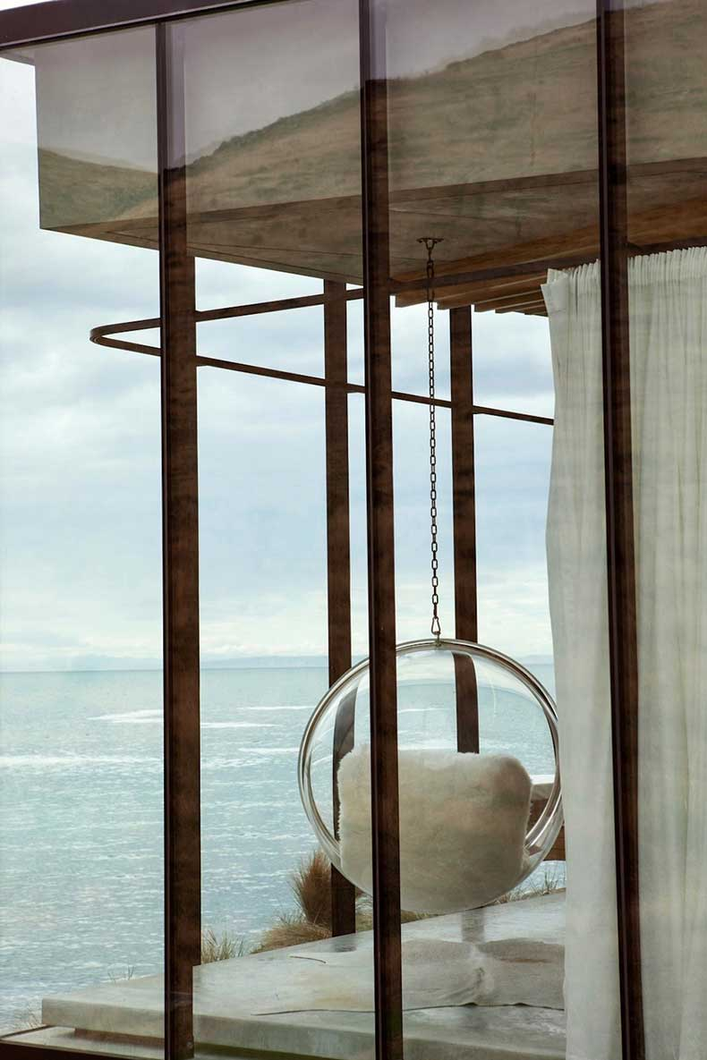 2-annandale-seascape-cottage-new-zealand-modern-residence-sunday-sanctuary-oracle-fox