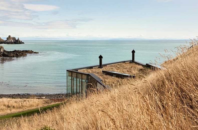7.annandale-seascape-cottage-new-zealand-modern-residence-sunday-sanctuary-oracle-fox