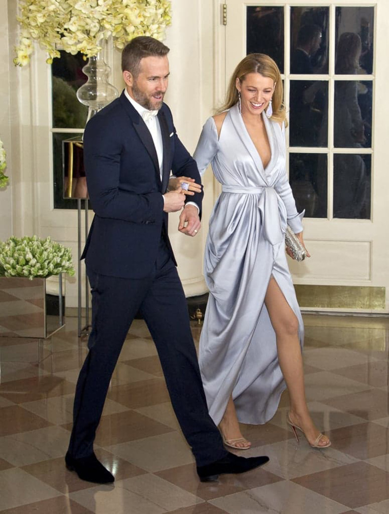 Blake-kept-her-bump-under-wraps-Ralph-amp-Russo-robe-gown