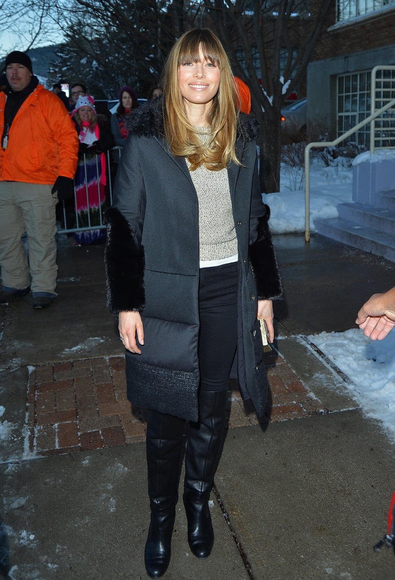 Jessica-Biel-kept-warm-outside-black-puffer-coat-oatmeal