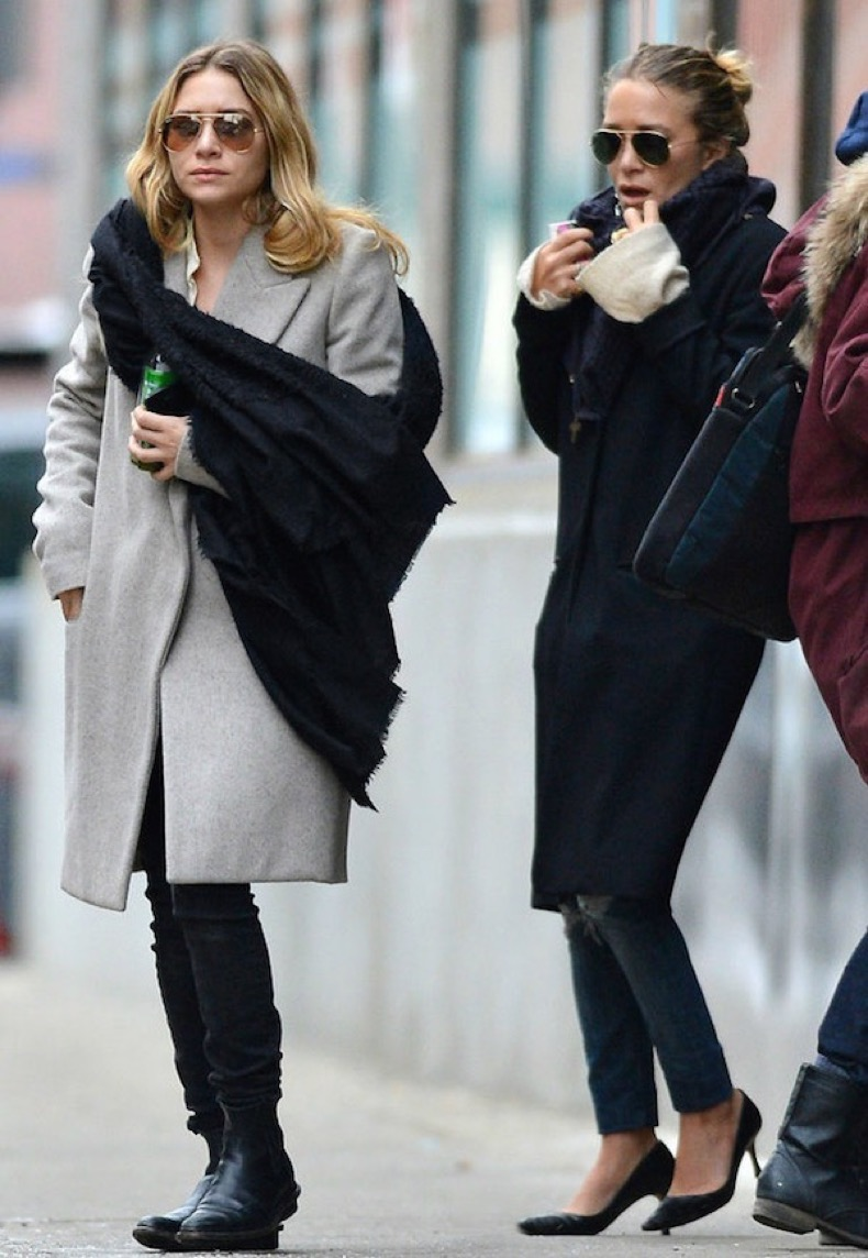 Olsens-Anonymous-Blog-Fall-Winter-Style-Fashion-Pair-Jeans-And-Coats-Mary-Kate-And-Ashley-Olsen-Twins-Leather-Boots-Pumps