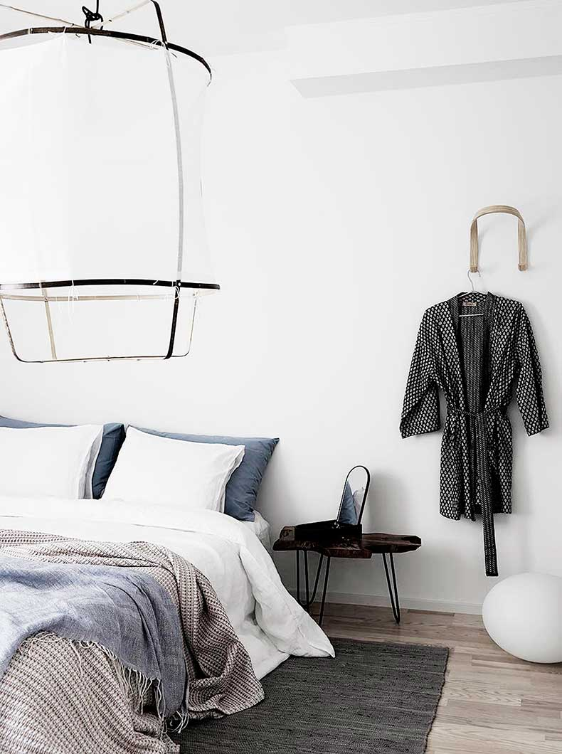 Oracle-Fox-Sunday-Sanctuary-Symmetry-Alexandra-Ogonowski-Interiors-Monochrome-Home-10