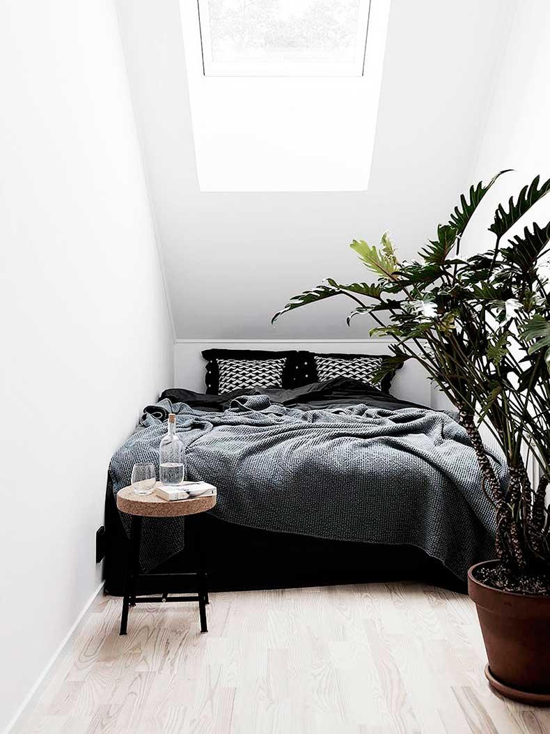 Oracle-Fox-Sunday-Sanctuary-Symmetry-Alexandra-Ogonowski-Interiors-Monochrome-Home-11