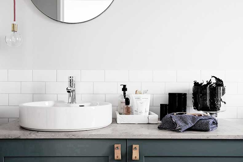 Oracle-Fox-Sunday-Sanctuary-Symmetry-Alexandra-Ogonowski-Interiors-Monochrome-Home-6
