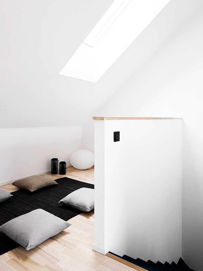 Oracle-Fox-Sunday-Sanctuary-Symmetry-Alexandra-Ogonowski-Interiors-Monochrome-Home-9