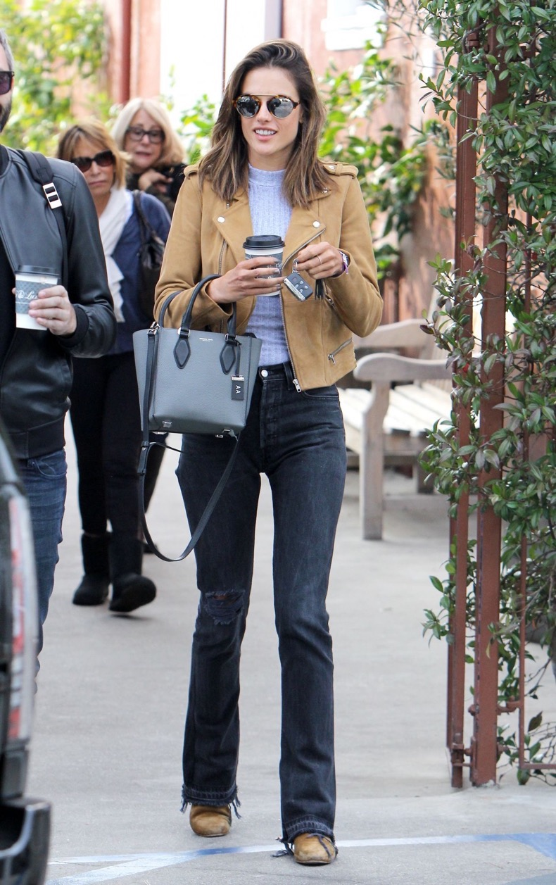 alessandra-ambrosio-casual-style-shopping-in-brentwood-1-14-2016-1
