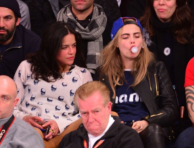 celebs-bored-at-games-461351115_master