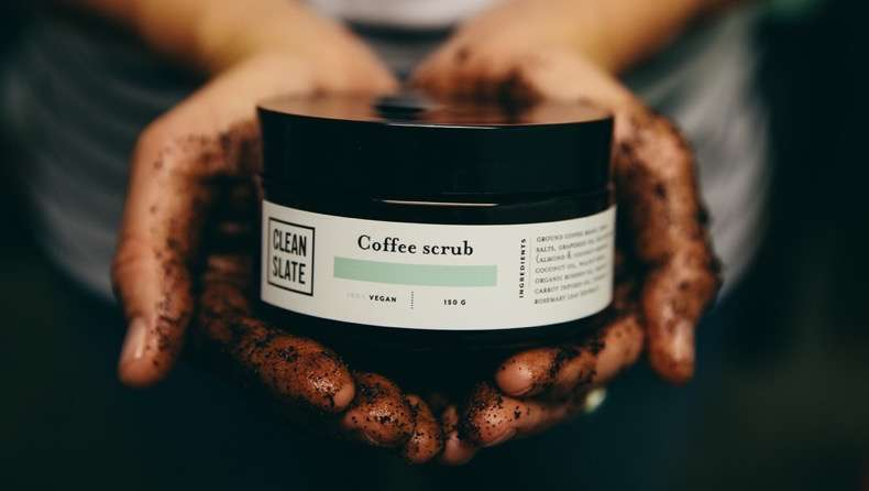 coffee+scrub+in+hands