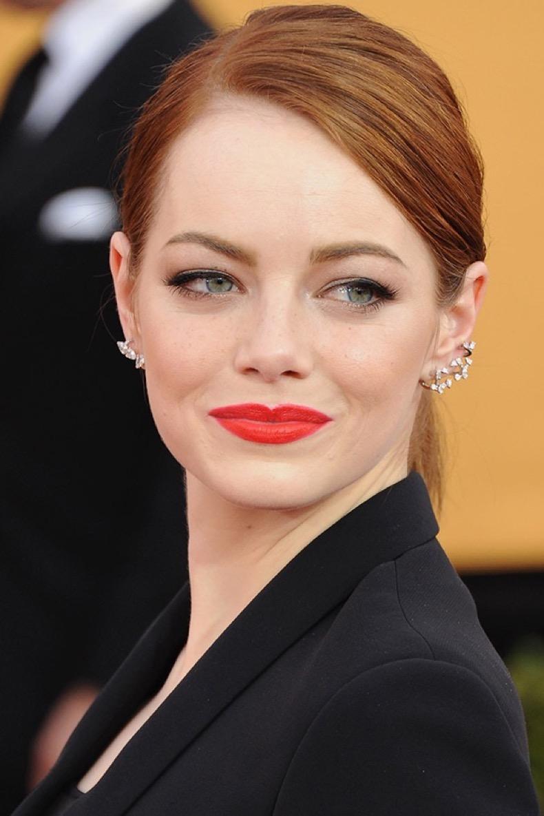 emma-stone-bright-lipstick