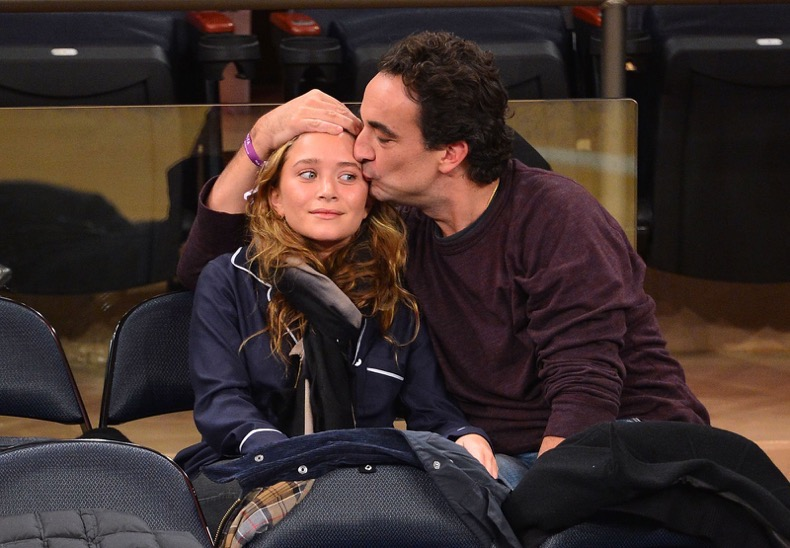 hbz-awkward-celeb-couples-moments-gettyimages-155970324