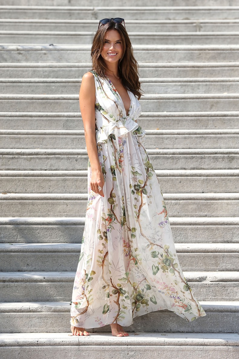 hbz-dresses-breezy-beach-dress