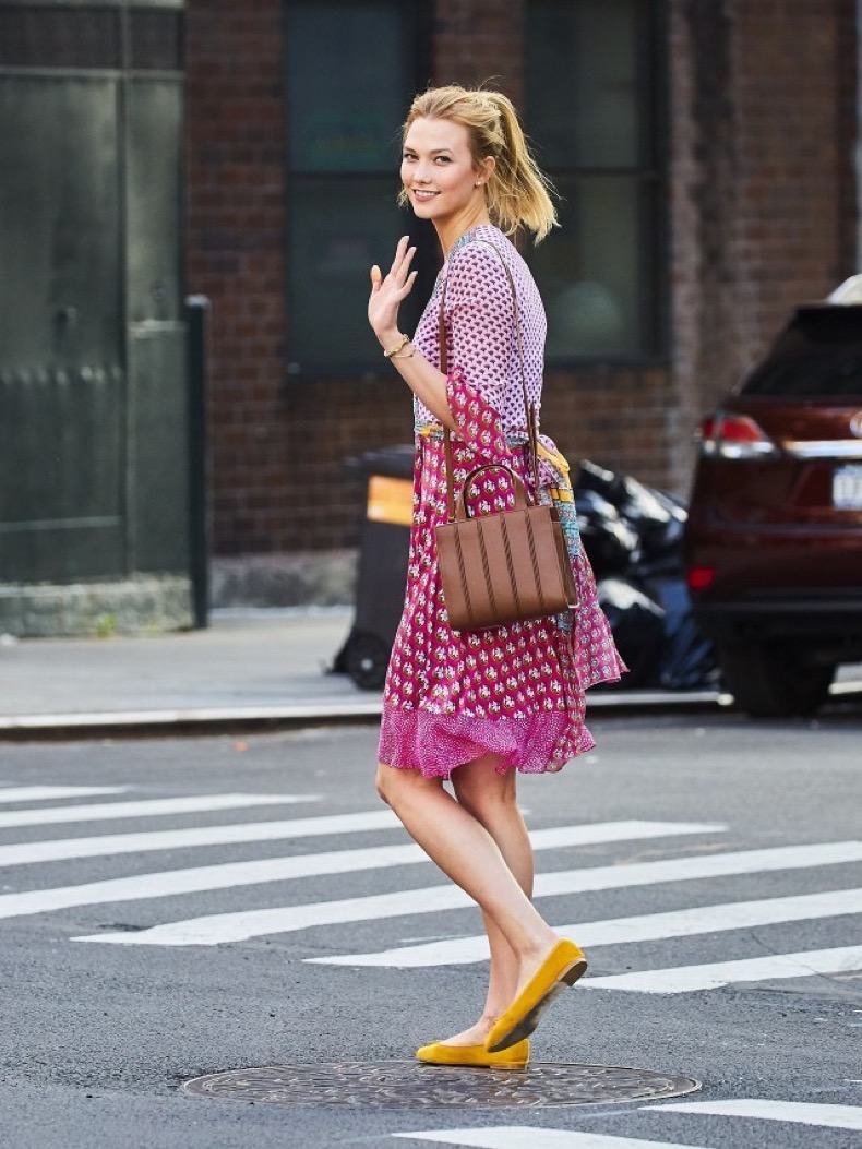 karlie-kloss-says-she-can-conquer-the-world-in-these-shoes-1838586-1468613803.640x0c