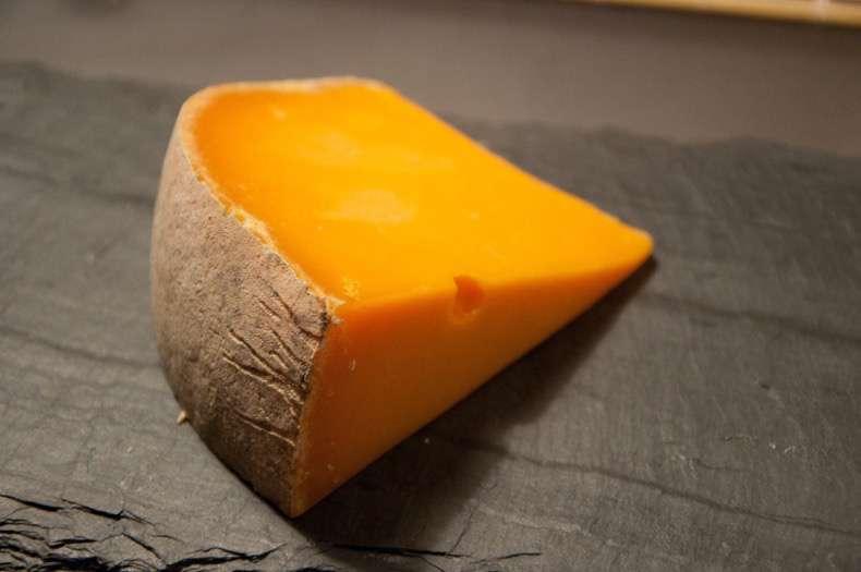 quesos-permitidos-embarazada-cheddar