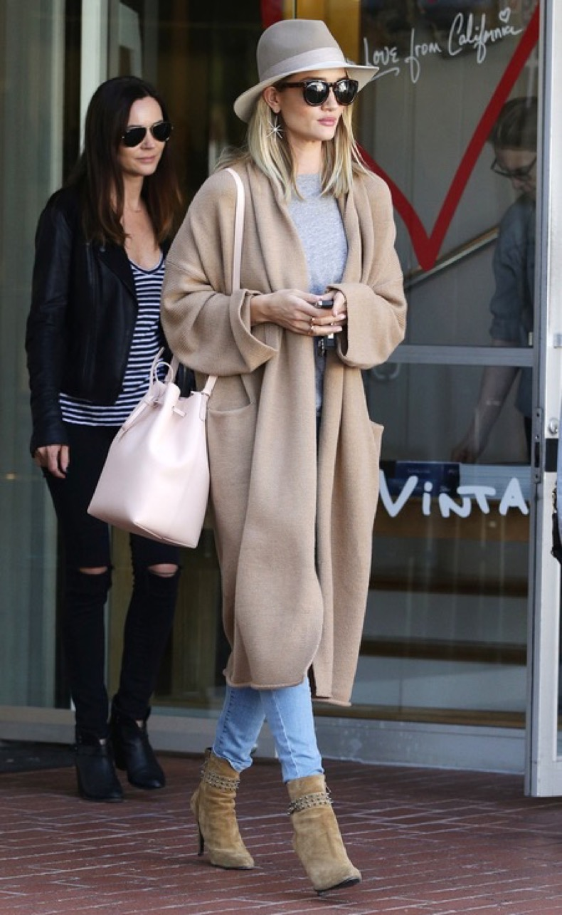 West Hollywood, CA - The lovely and fashionable Rosie Huntington-Whiteley ends a trip to Fred Segal in West Hollywood.    AKM-GSI   March  15, 2016 To License These Photos, Please Contact : Steve Ginsburg (310) 505-8447 (323) 423-9397 steve@akmgsi.com sales@akmgsi.com or Maria Buda (917) 242-1505 mbuda@akmgsi.com ginsburgspalyinc@gmail.com
