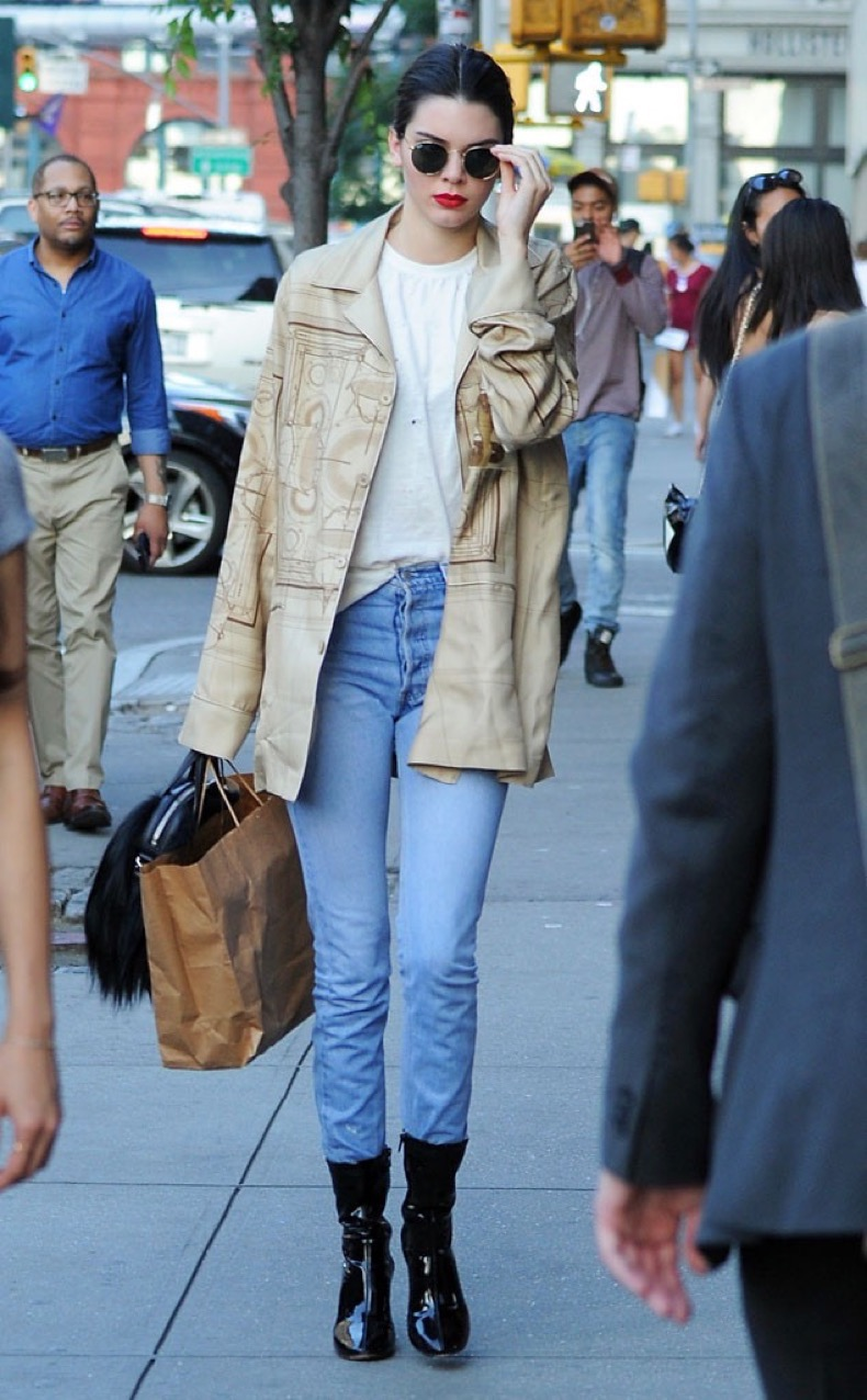 rs_634x1024-160701052827-634.Kendall-Jenner-NYC-JR-070116 (1)
