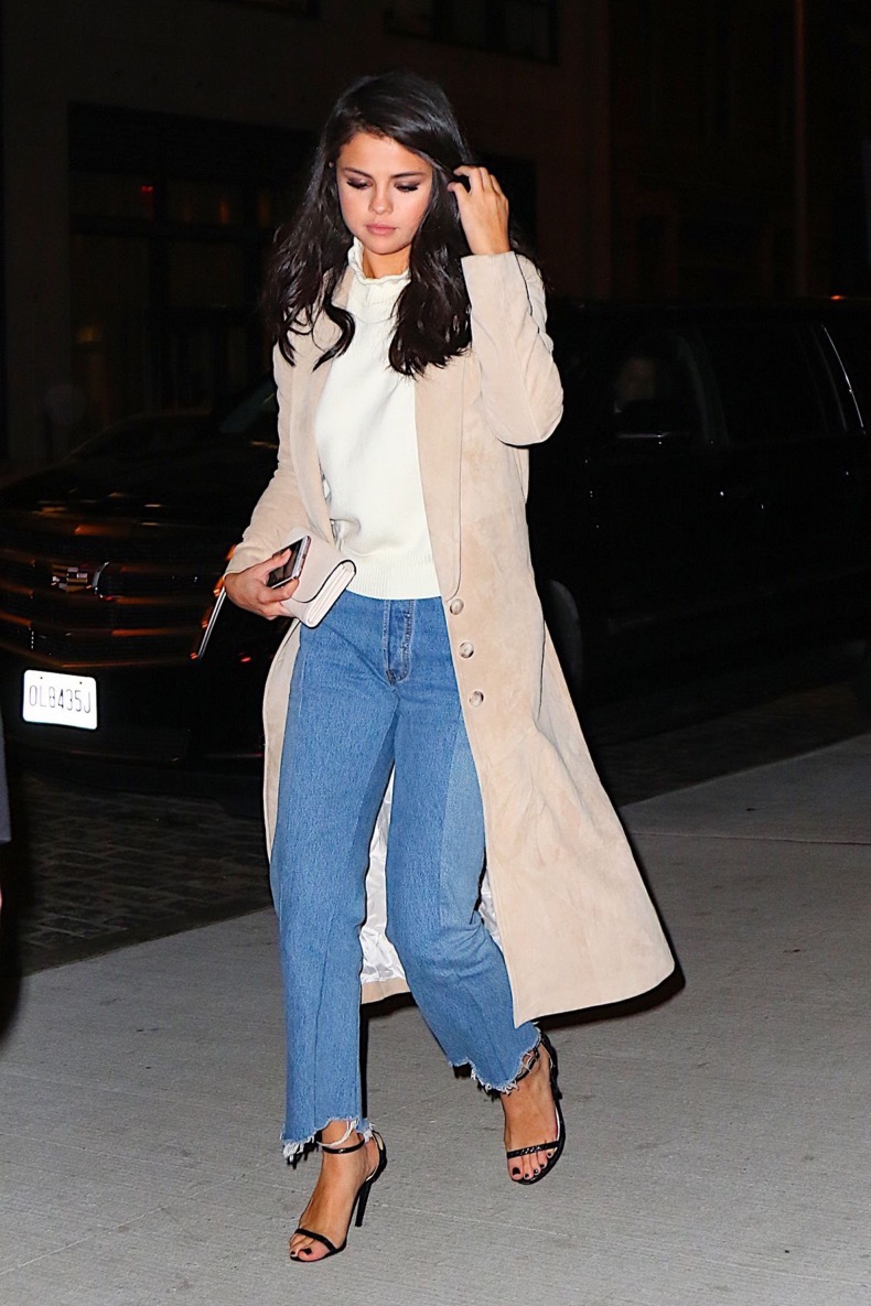 selena-gomez-at-nobu-restaurant-in-new-york-01-21-2016_14