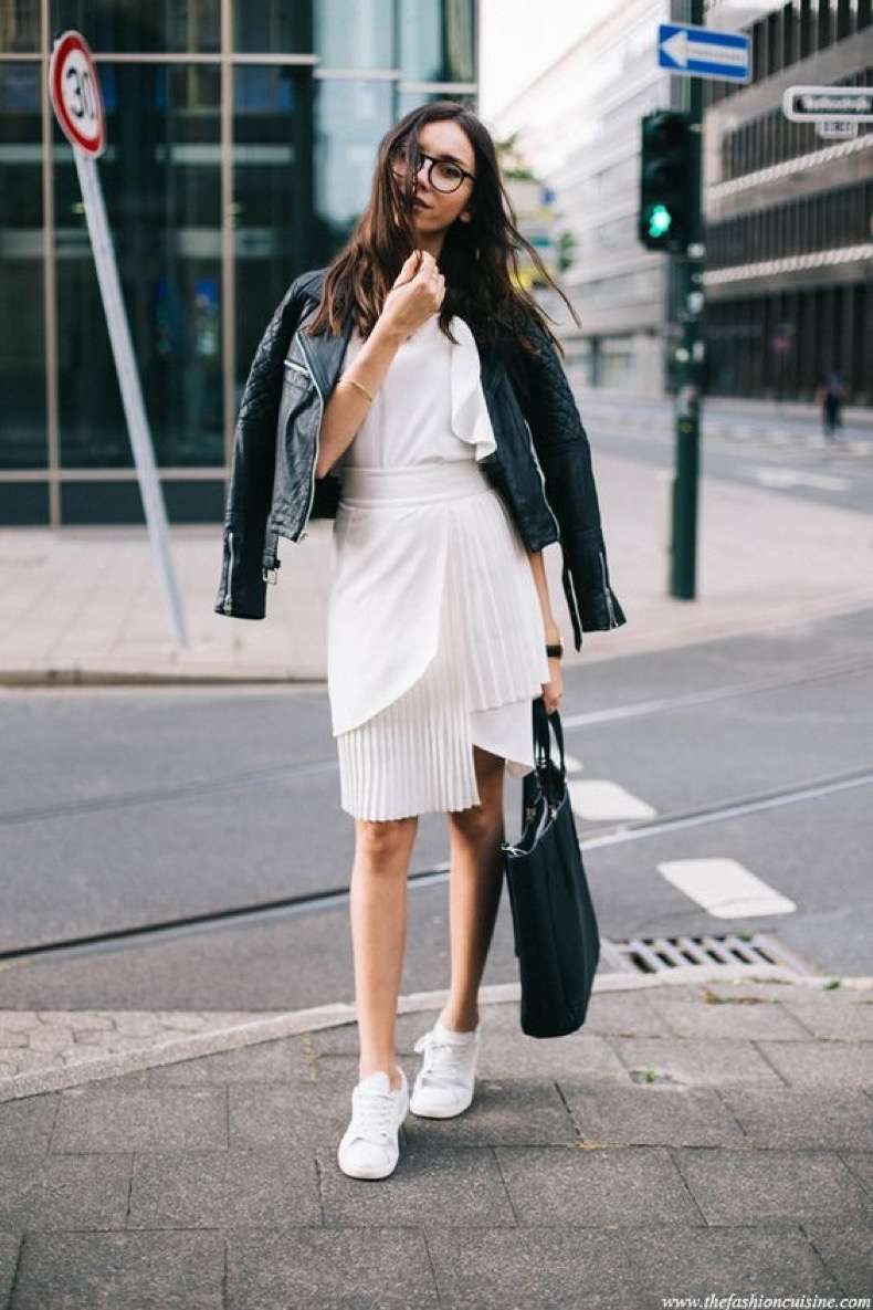 skirt-with-sneakers-outfit-classic-street-style-white-summer-look-with-leather-jacket