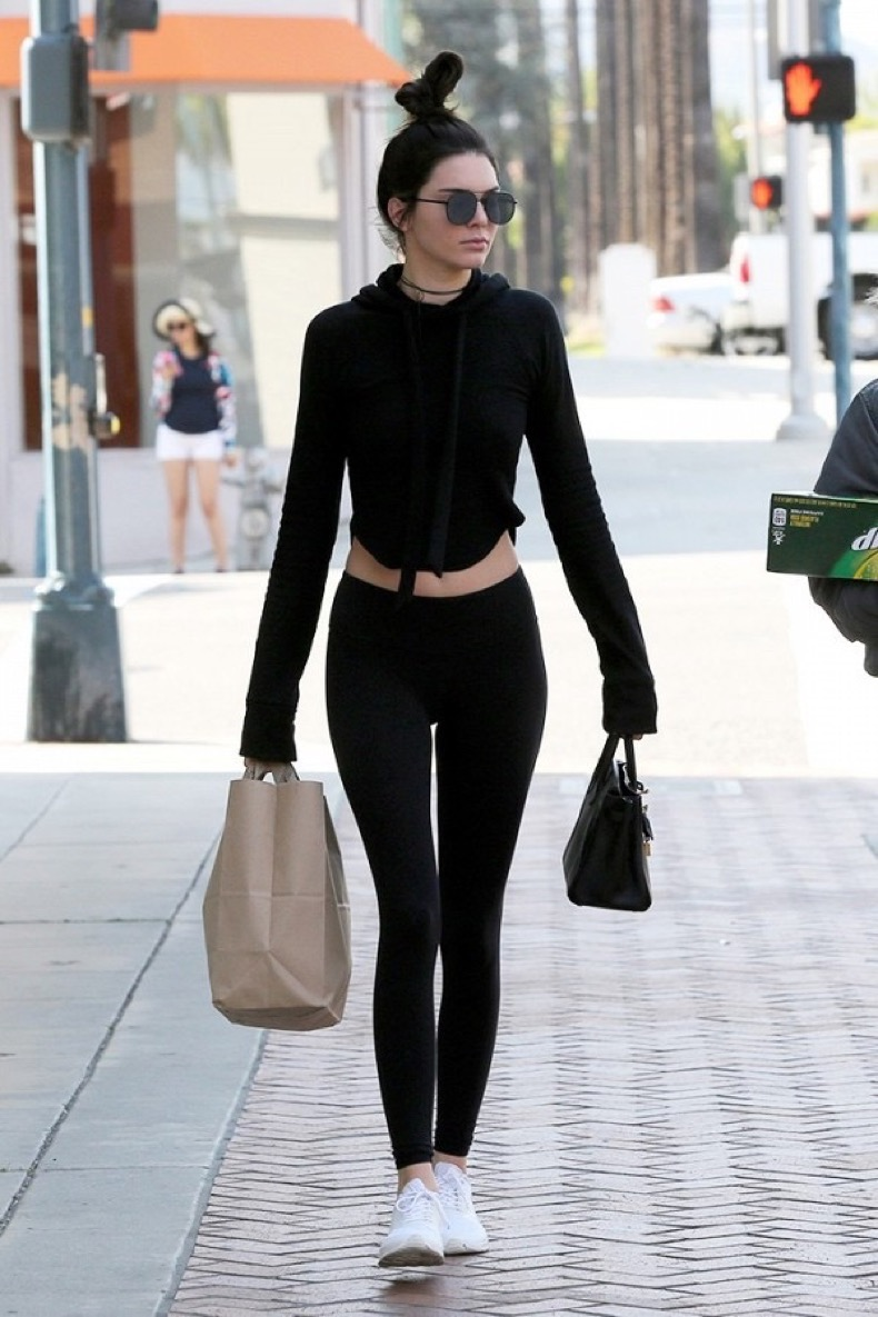 the-only-leggings-outfit-combos-that-matter-1830279-1467935808.600x0c