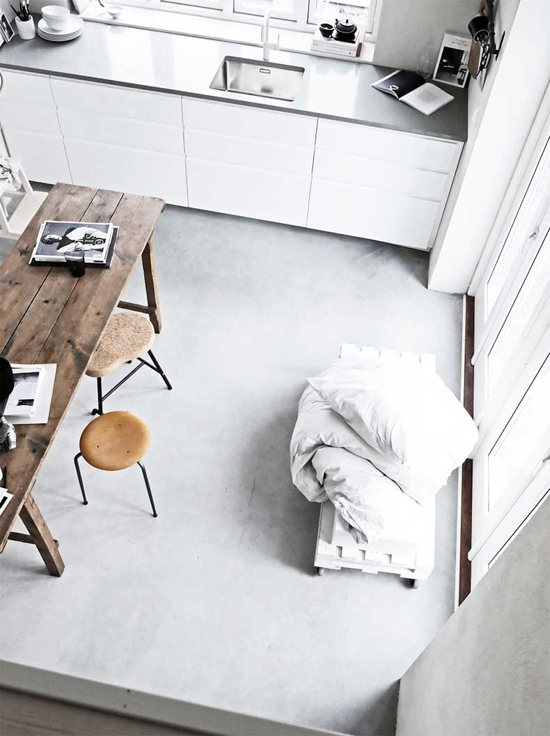 1.pella-hedeby-sara-medina-lind-interiors-home-inspiration-concrete-floors-sunday-sanctuary-oracle-fox