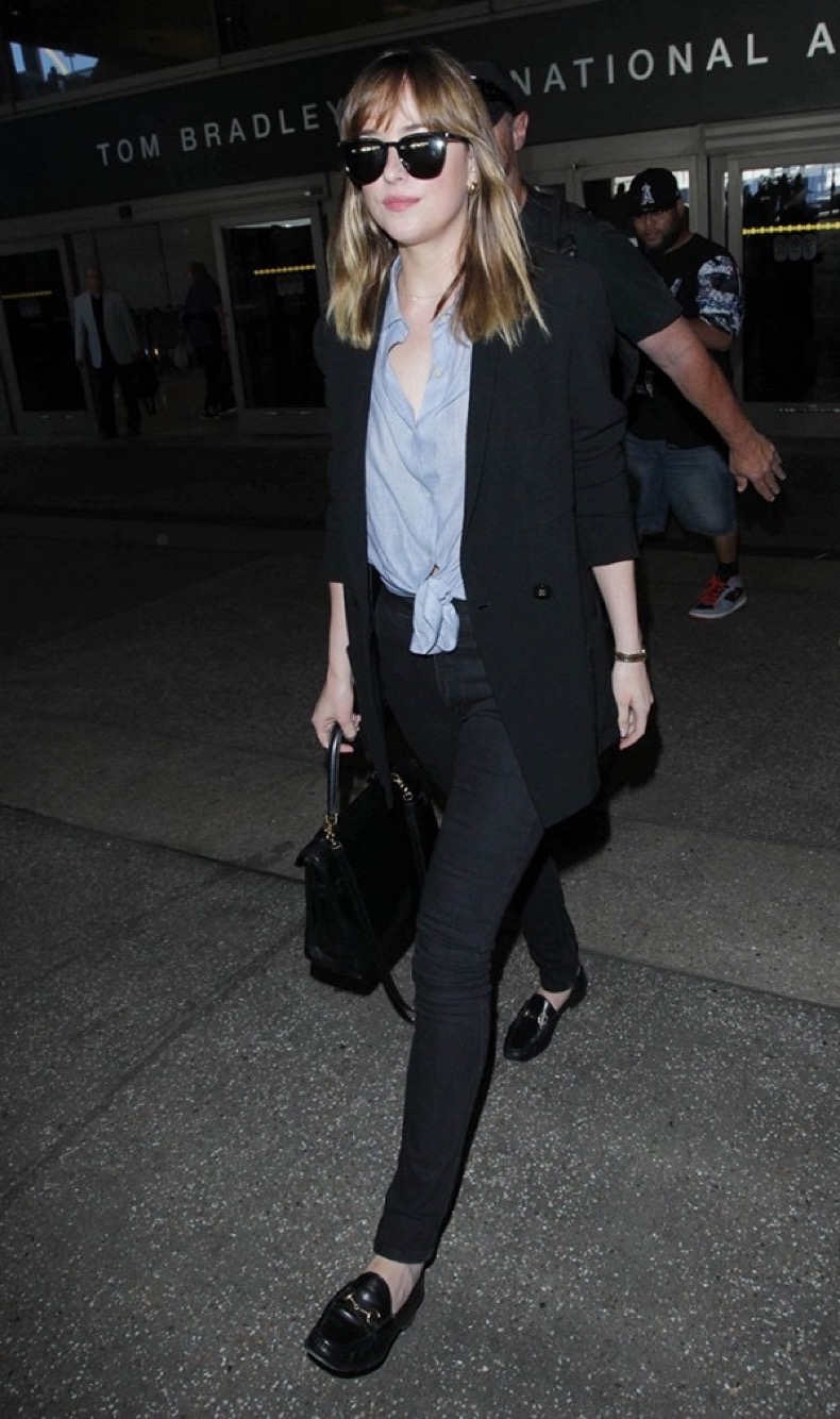 5-dakota-johnson-outfits-you-can-re-create-without-a-stylist-1867723-1471027087.600x0c