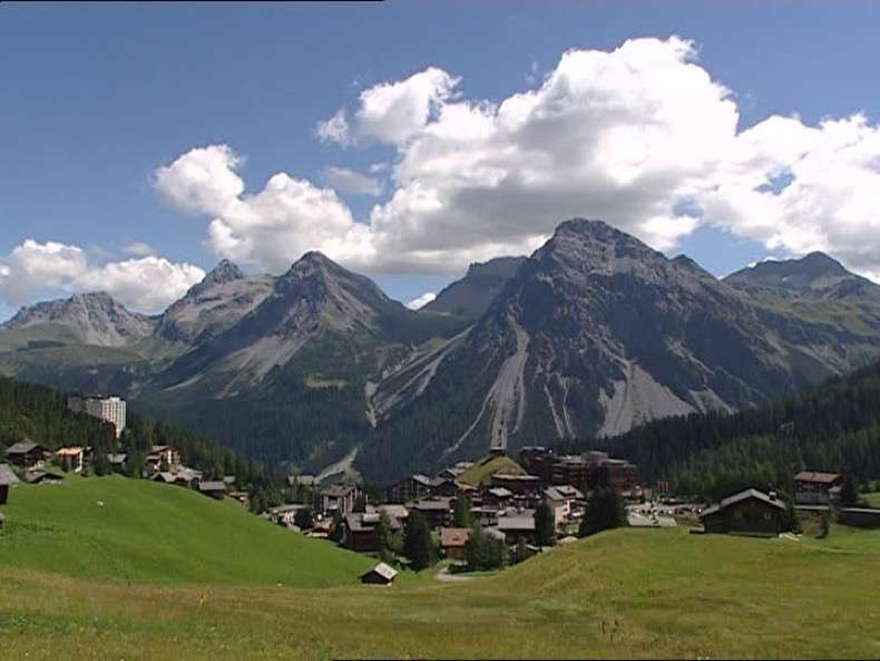 955075286-schiesshorn-arosa-suiza-valle-colina