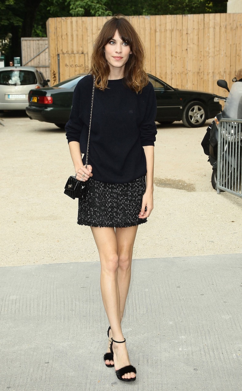 Alexa-Chung-stuck-her-easy-chic-style-formula-tweedy-mini