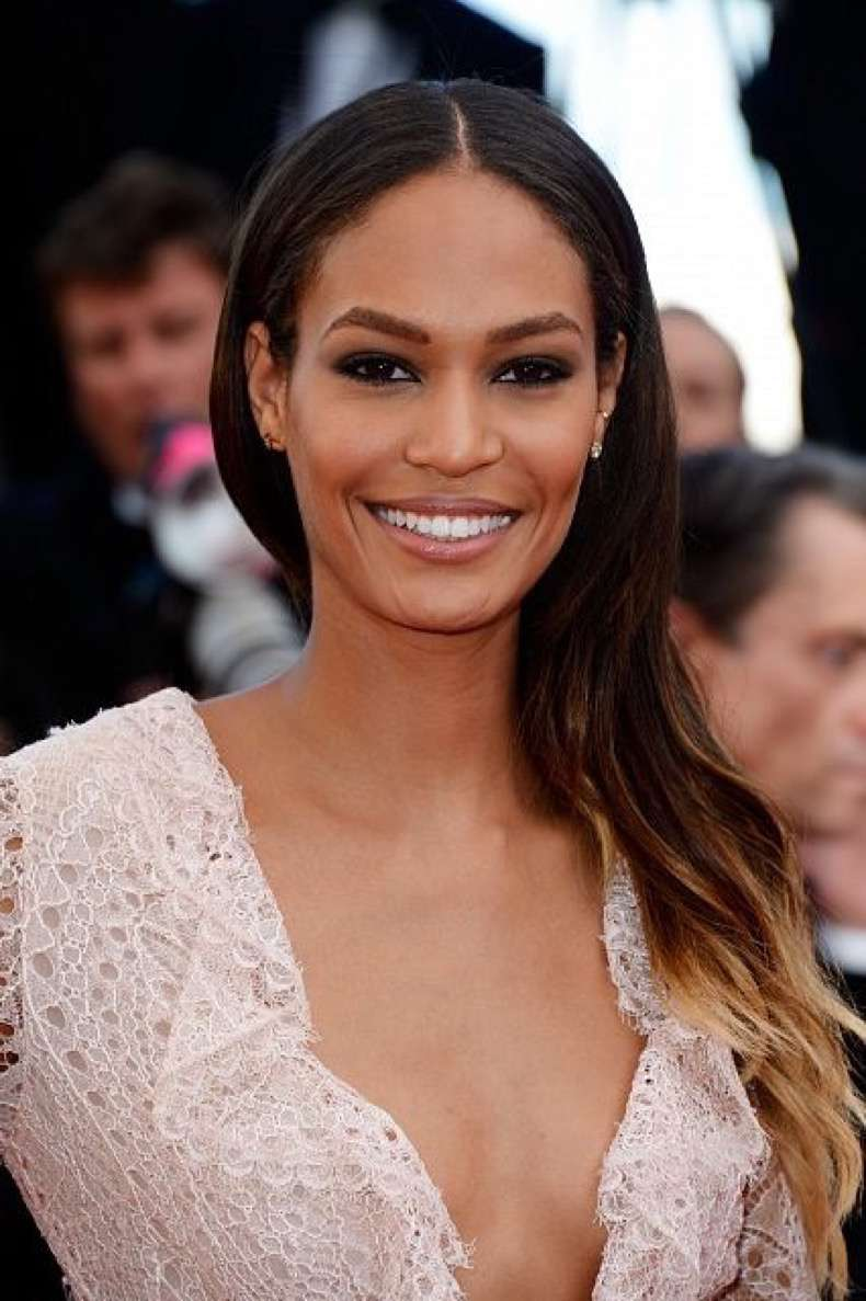 Cleopatra-red-carpet-model-Joan-Smalls-wore-her-blond-tips