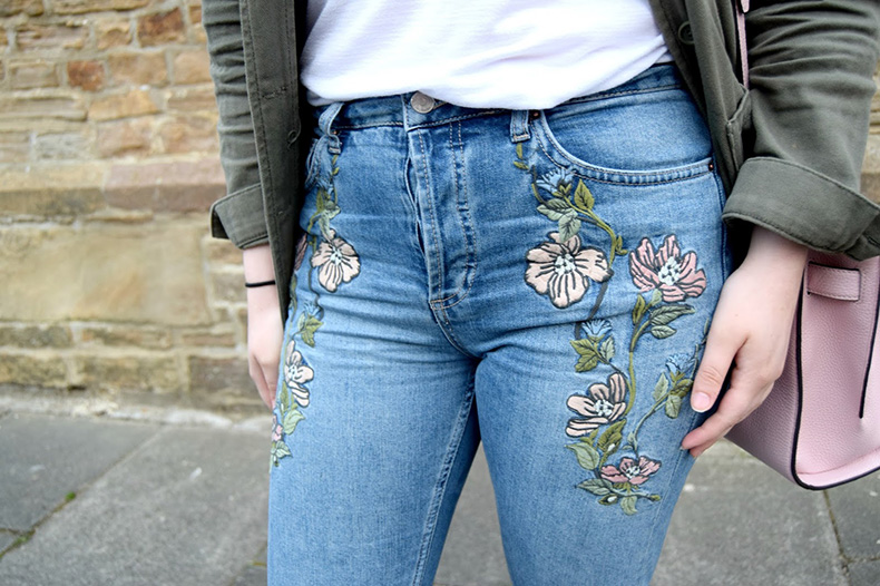 Embroidered-Jeans-Outfit-4