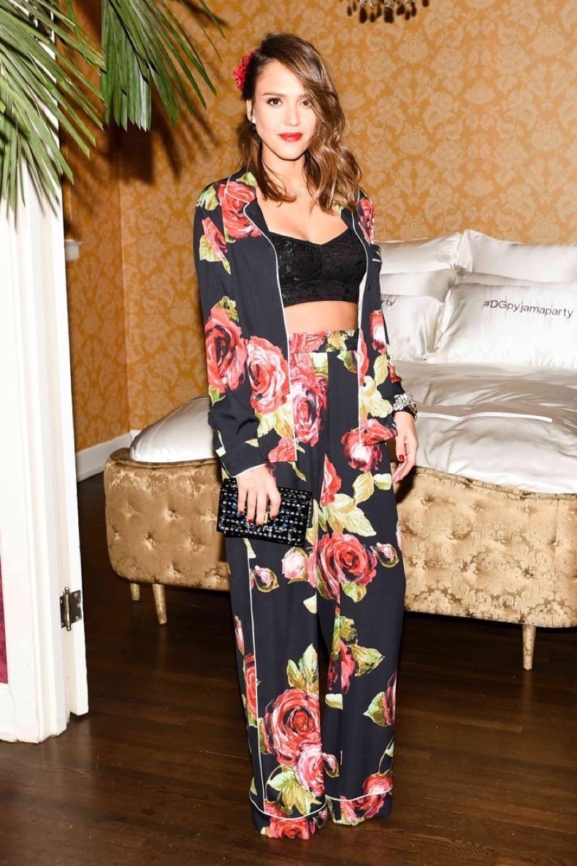Jessica-Alba-Dolce-Gabbana-Pajama-Party