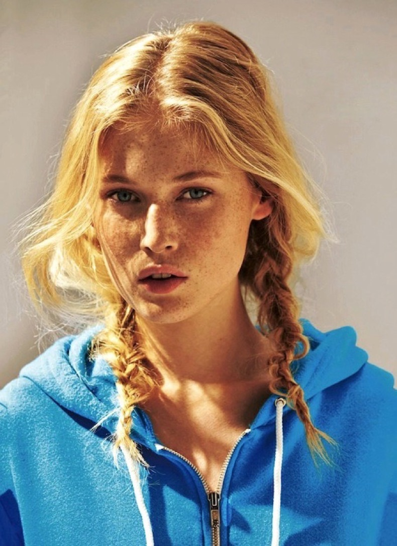 Le-Fashion-Blog-Blonde-Messy-Side-Braids-Hairstyle-Blue-Zip-Up-Hooded-Sweatshirt-Via-Glamour-Germany