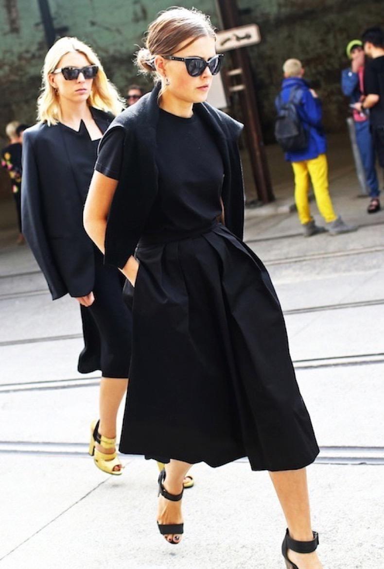Le-Fashion-Blog-Street-Style-All-Black-Ladylike-Minimal-Spring-Look-Australia-Fashion-Week-Via-Vogue