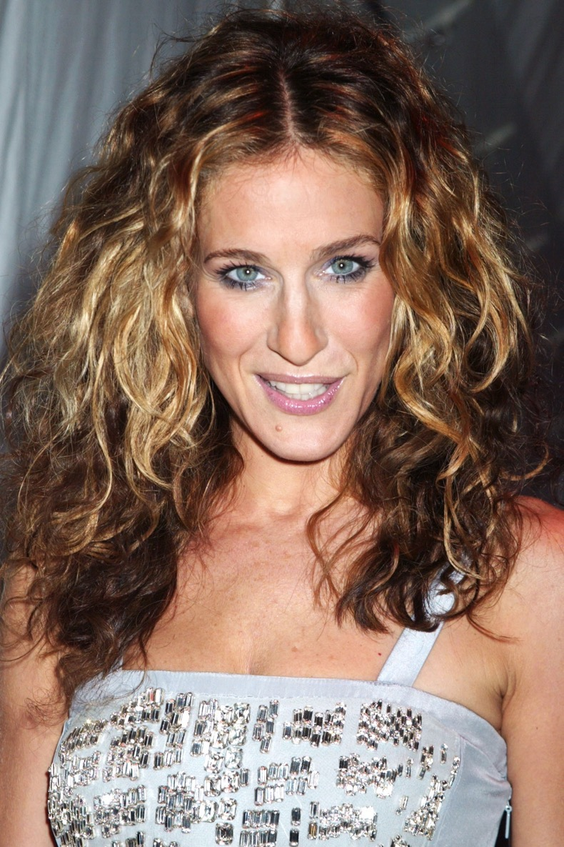 SARAH-JESSICA-PARKER-Curly-Hairstyles