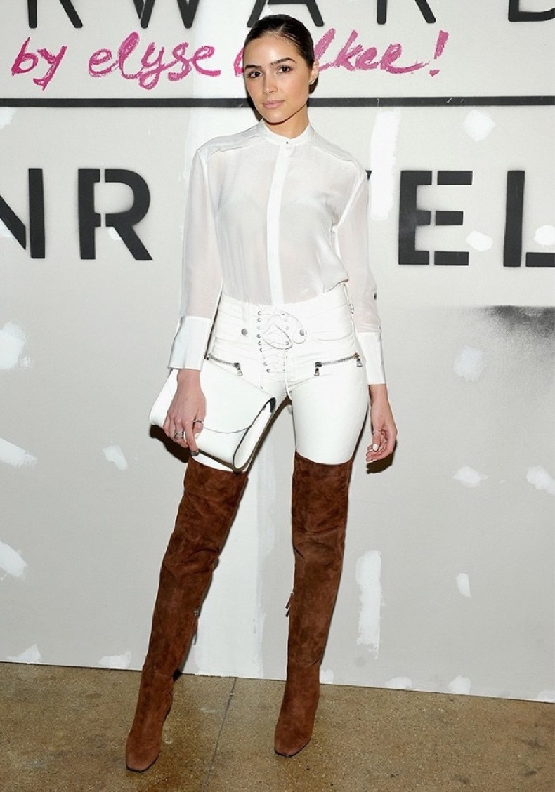 alright-olivia-culpo-killed-it-in-white-leather-pants-last-night-1646737-1454622478.640x0c