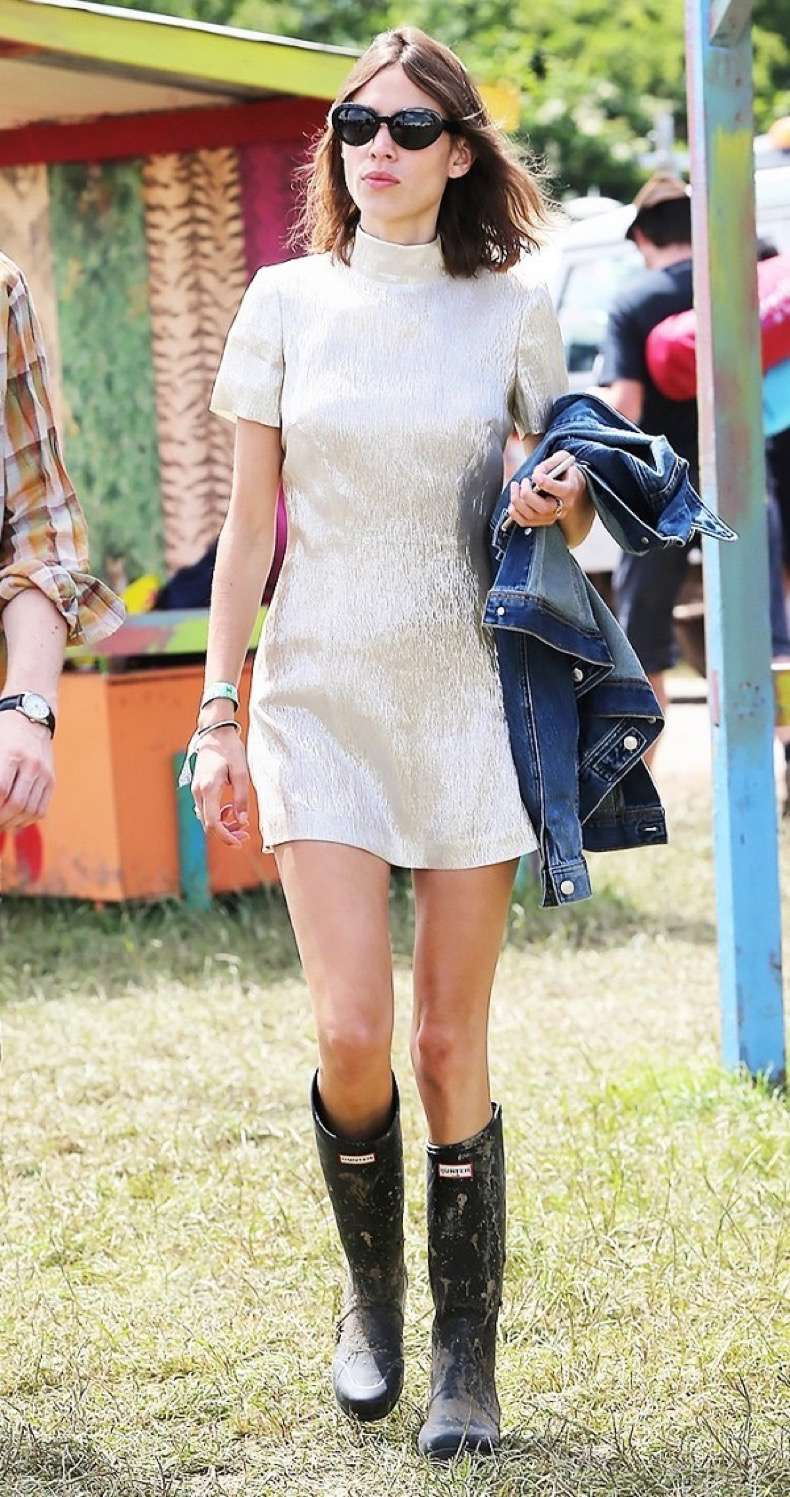 an-alexa-chung-outfit-for-every-occasion-1741744-1461273524.600x0c