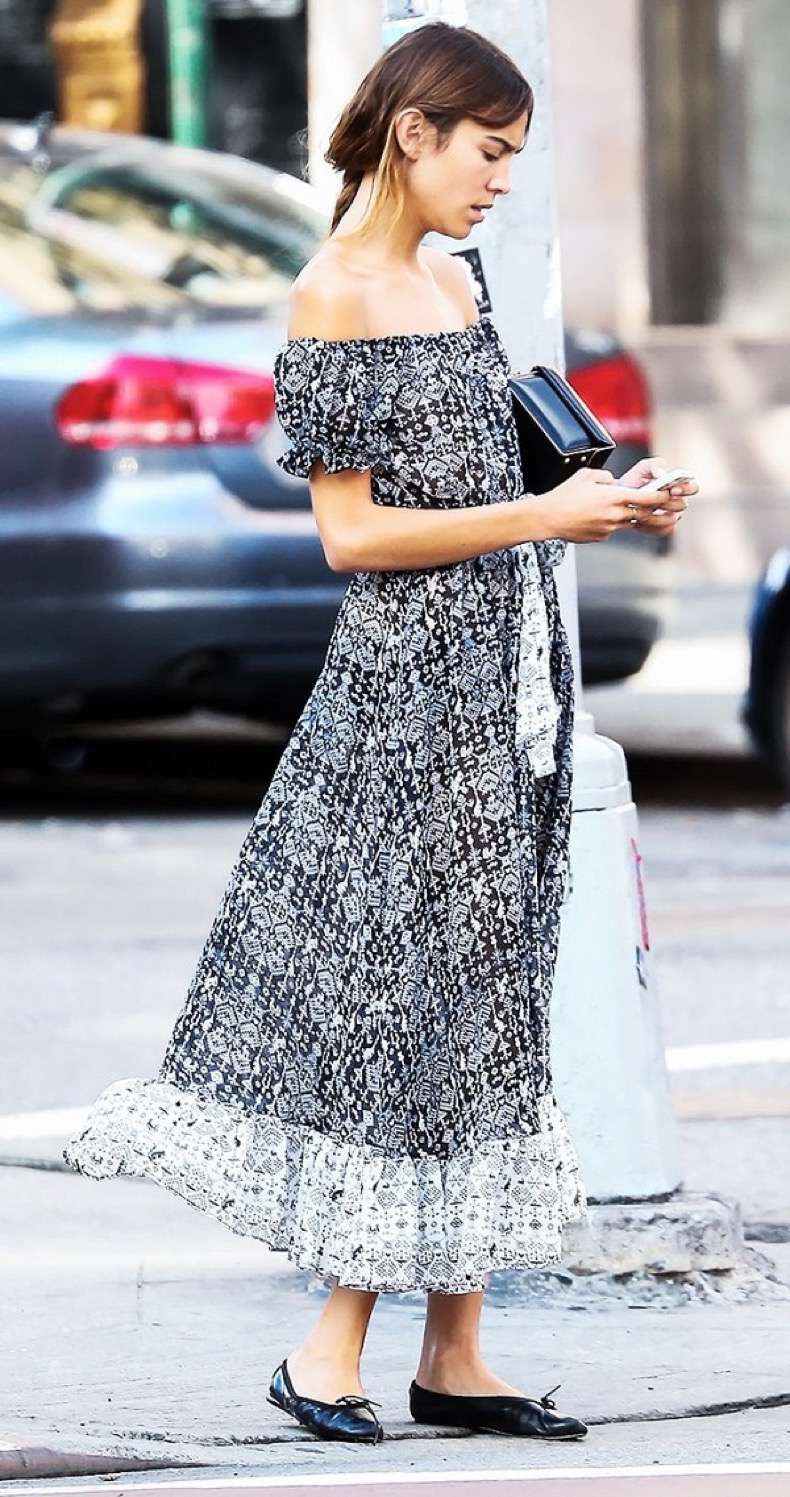an-alexa-chung-outfit-for-every-occasion-1741746-1461273524.600x0c