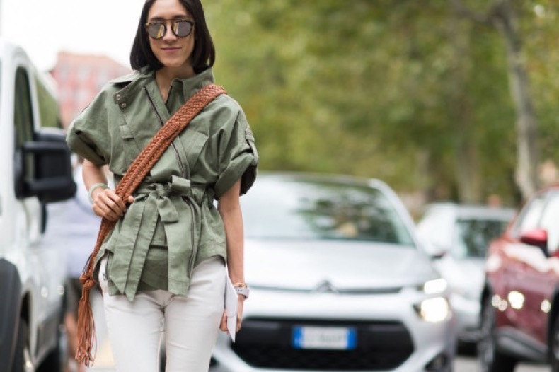 army-jacket-eva-chen-white-pants-milan-fashion-week-elle-640x426