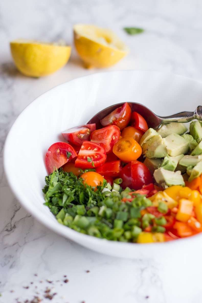 avocado-bell-pepper-salad-2-800x1200