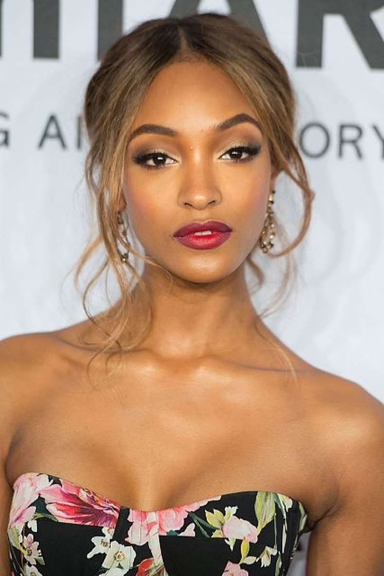 beauty-2016-02-jourdan-dunn-ombre-lip-amfar-1-main