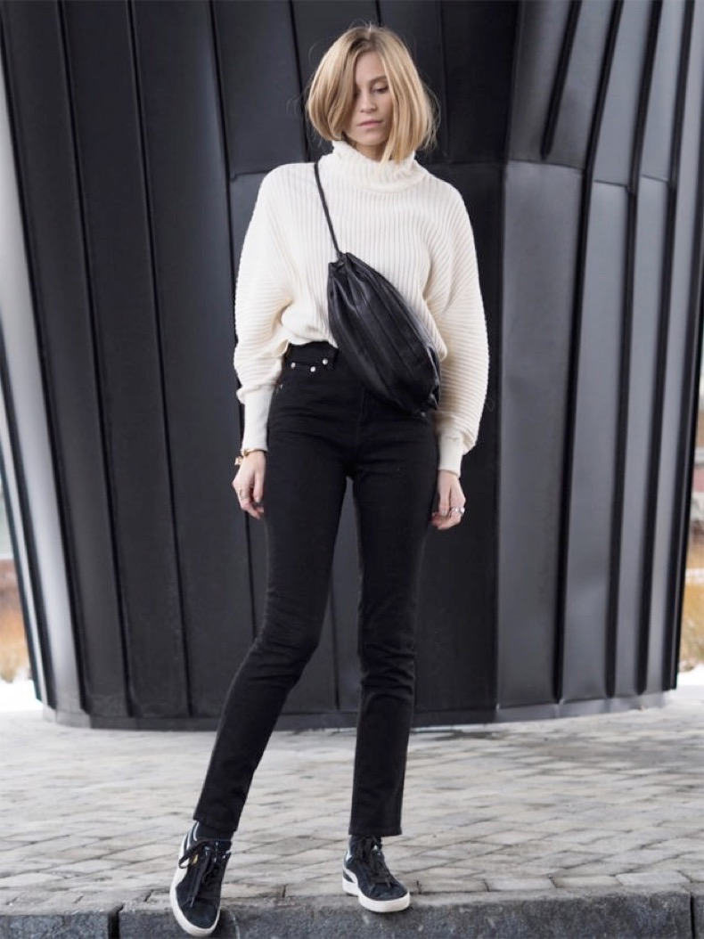black-and-white-weekend-outfit-black-skinnies-turtleneck-sweater-sneakers-the-fashion-eaters-640x854