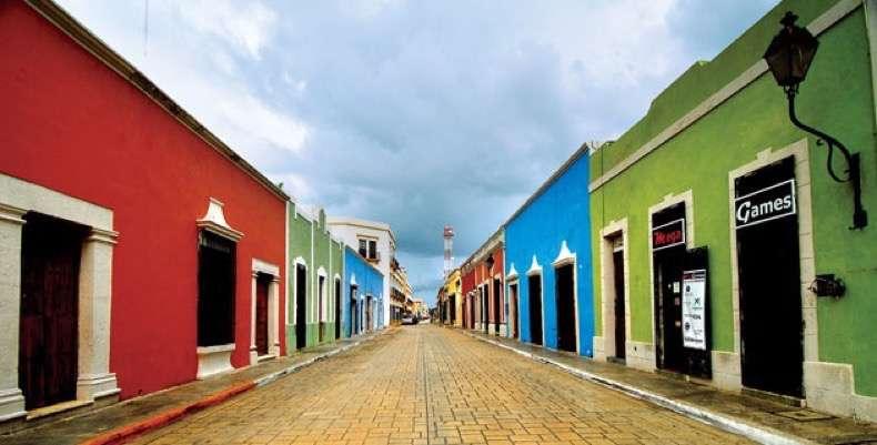 calle_casas_en_centro historico_ciuda_campeche