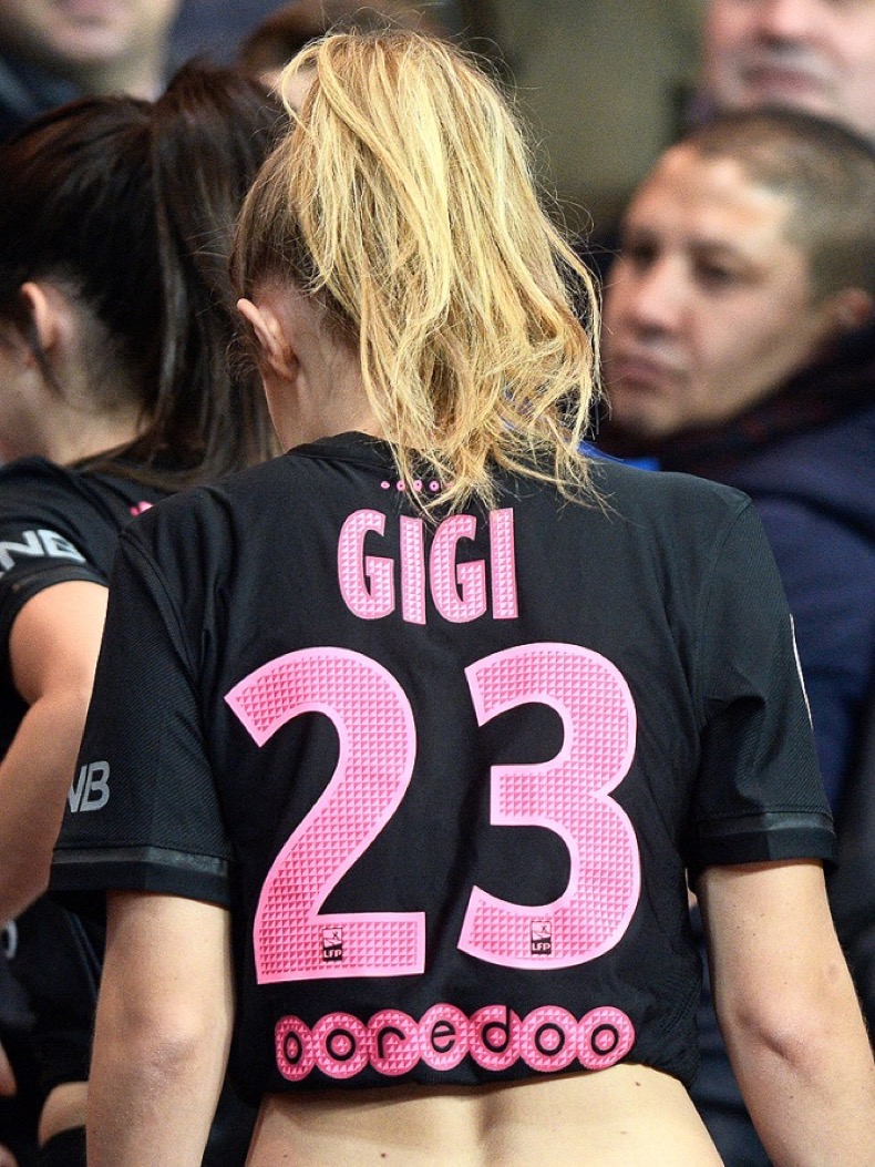 **USA, Australia, New Zealand ONLY** Paris, France - Model, Kendall Jenner, Gigi Hadid spotted at Paris Saint-Germain VS Olympique de Marseille soccer match.  Singer, Rihanna, was also spotted at the same event. AKM-GSI       October 4, 2015 **USA, Australia, New Zealand ONLY** To License These Photos, Please Contact : Steve Ginsburg (310) 505-8447 (323) 423-9397 steve@akmgsi.com sales@akmgsi.com or Maria Buda (917) 242-1505 mbuda@akmgsi.com ginsburgspalyinc@gmail.com