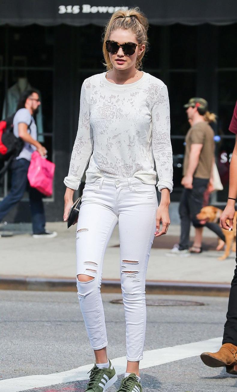 gigihadid-white-jeans